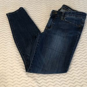 Medium Wash Gap Jean Legging Skimmer